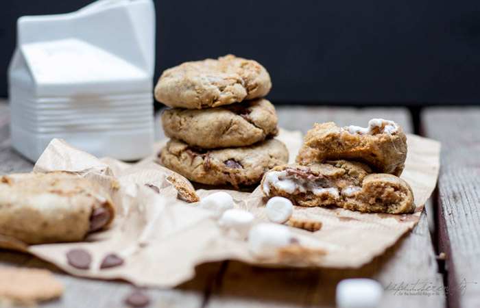 "S'mores Stuffed Cookies | Cookie Friday with ""dipi..t..seren(ity)"""
