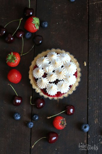 Wild Berry Mascarpone Meringue Tartlets | Bake to the roots