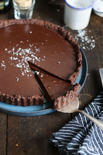 Baileys Caramel Chocolate Tart | Bake to the roots