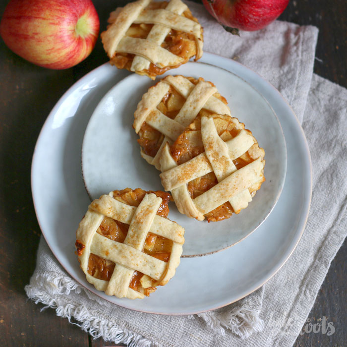 Caramel Apple Pie Cookies | Bake to the roots