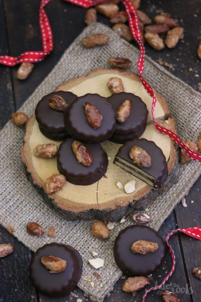 Gebrannte Mandel Nougat Sandwich Cookies | Bake to the roots