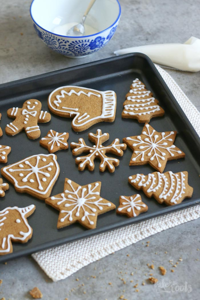 Gingerbread Cookies | Bake to the roots