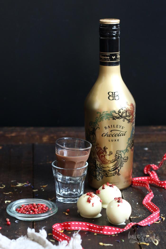 Valentines Cheesecake Balls with Baileys | Bake to the roots