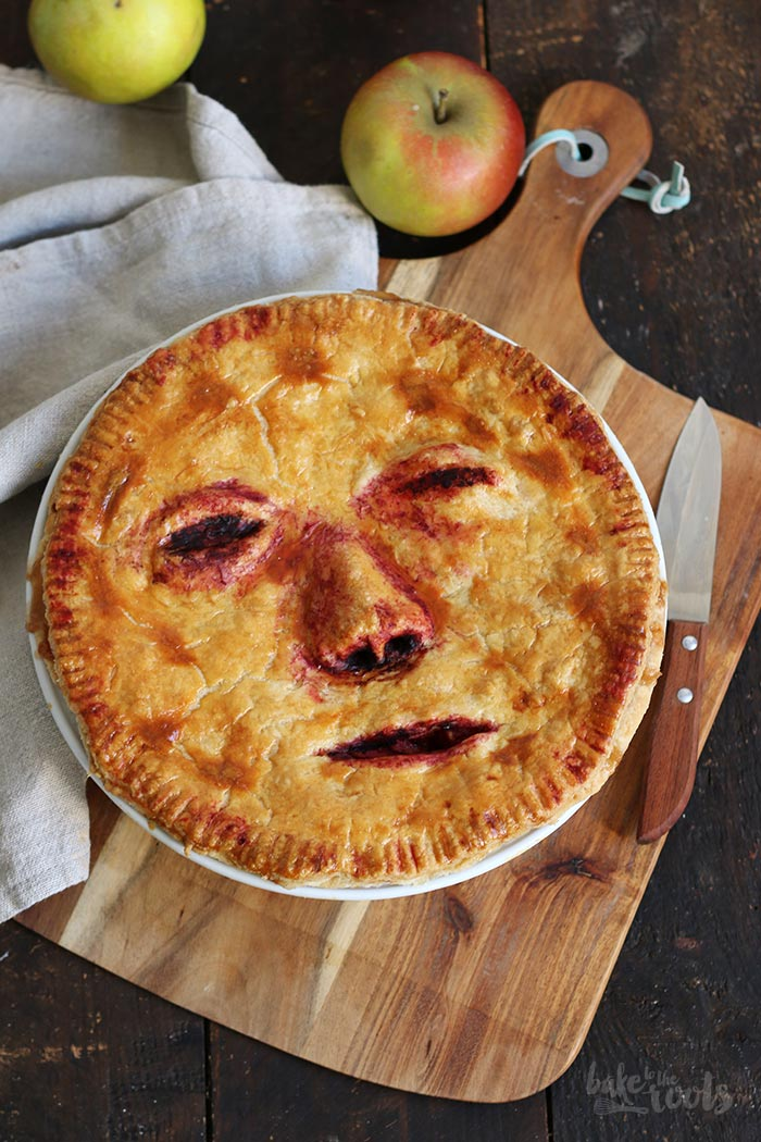 Halloween Apple Pie Face Off Bake To The Roots