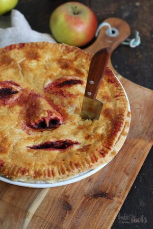 "Halloween Apple Pie ""Face/Off"""