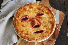 """Halloween Apple Pie """"Face/Off""""   Bake to the roots"""