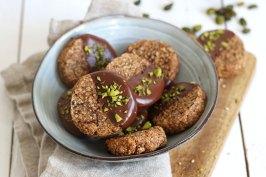 Vegan Tahihi Date Pistachio Cookies | Bake to the roots
