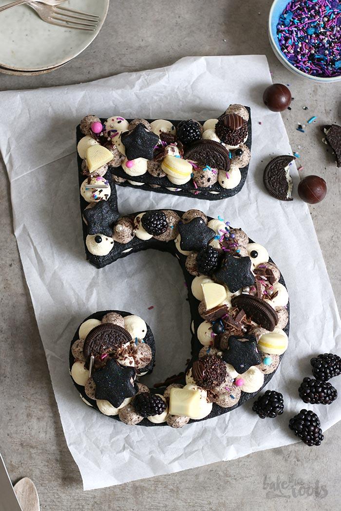 Oreo Cookie Cream Number Cake