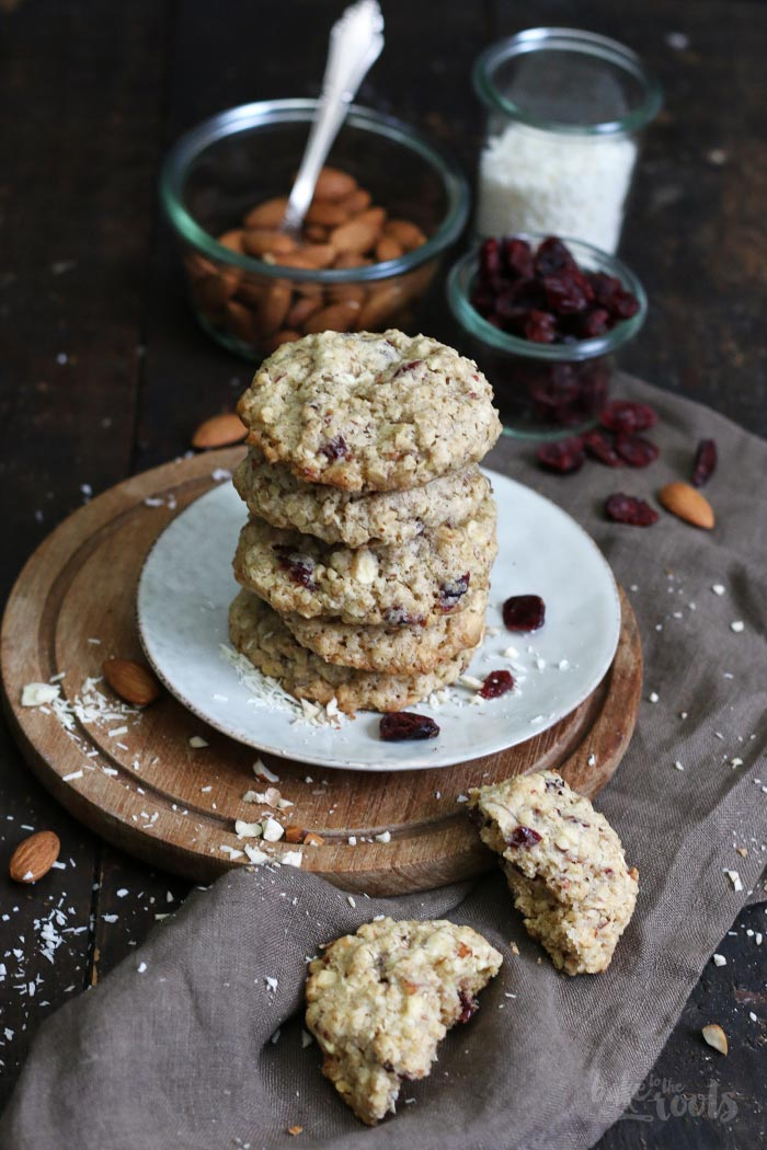 Cranberry Nut Oatmeal Cookies | Bake to the roots