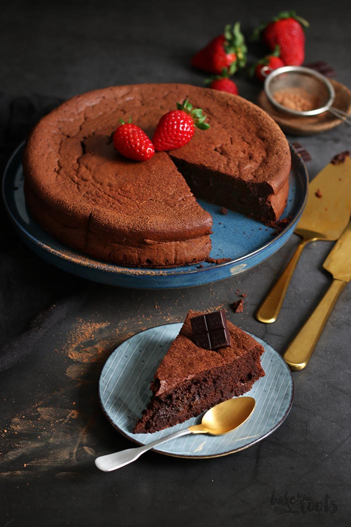 Flourless Chocolate Cake | Bake to the roots
