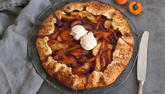 Aprikosen Pflaumen Nektarinen Galette | Bake to the roots
