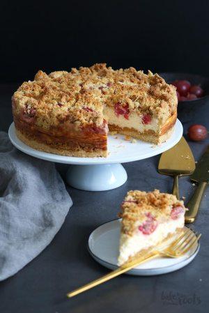 Gooseberry Streusel Cheesecake (sugar-free)