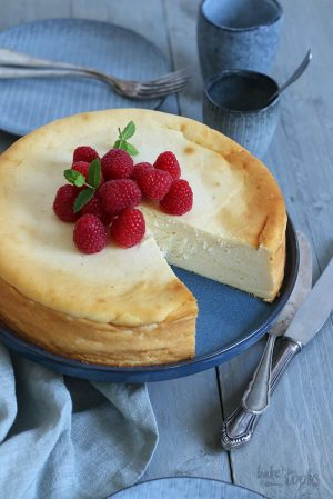 Easy Crustless Cheesecake