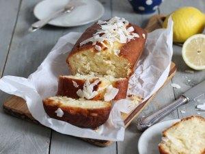 Zitrone Kokosnuss Drizzle Cake (zuckerfrei)