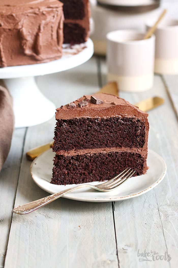 Stupendous Keto Chocolate Cake Sugar Free Low Carb Bake To The Roots Personalised Birthday Cards Veneteletsinfo