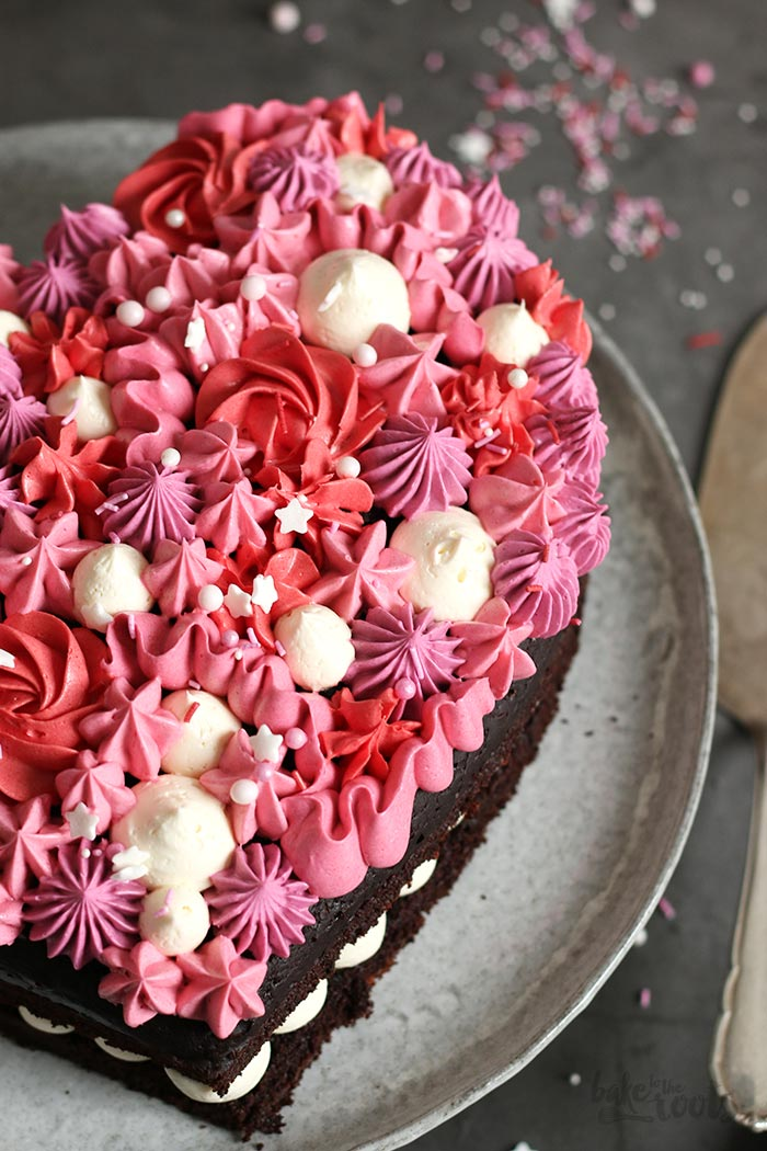 Valentine's Chocolate Heart Cake | Bake to the roots
