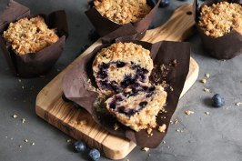 Blueberry Streusel Muffins | Bake to the roots