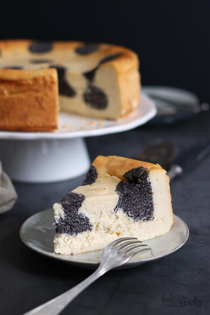 Poppy Seed Cheesecake | Bake to the roots