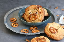 Salted Caramel Pretzel Chocolate Chip Cookies   Bake to the roots