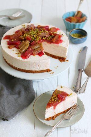 No-Bake Roasted Rhubarb Biscoff Cheesecake