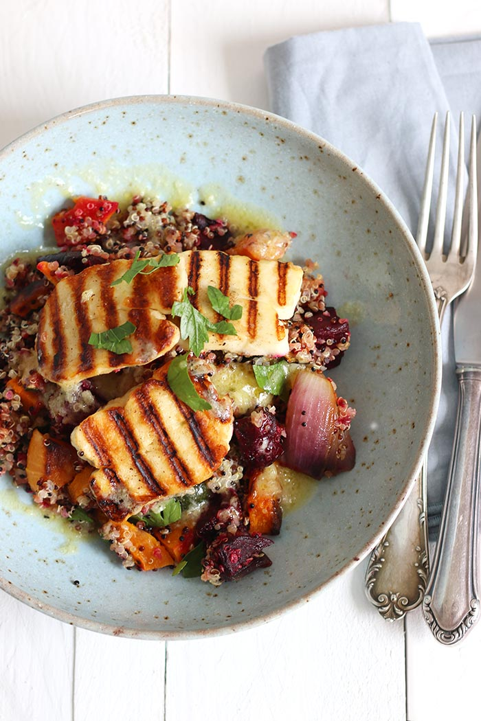 Quinoa Summer Salad with Roasted Veggies and Halloumi | Bake to the roots