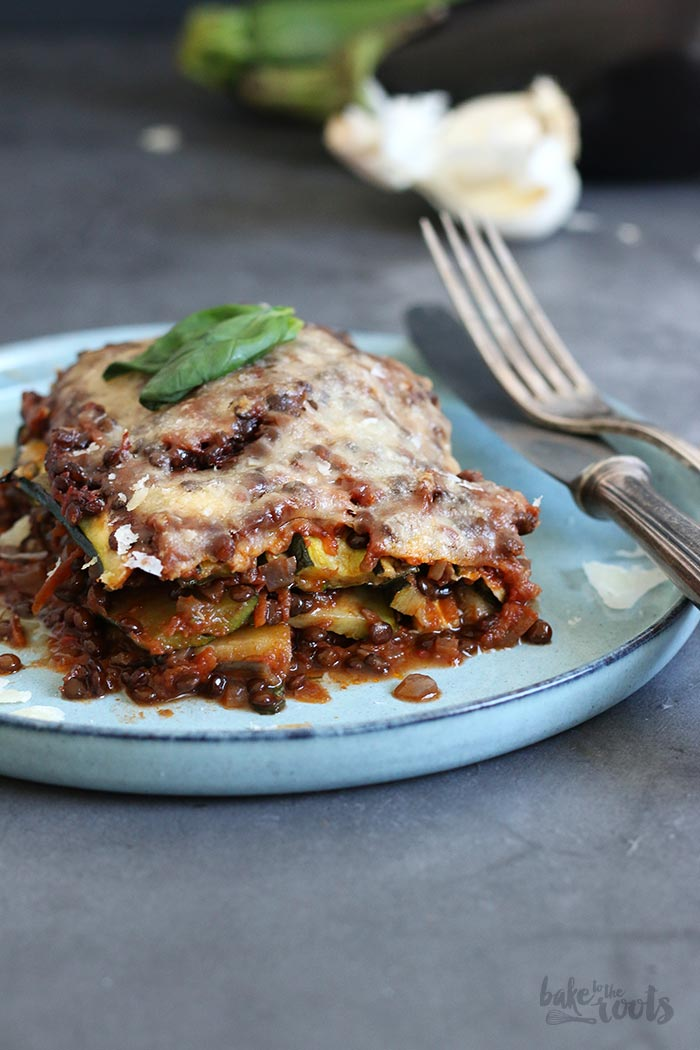 Vegan Veggie Lasagna (low-carb) | Bake to the roots