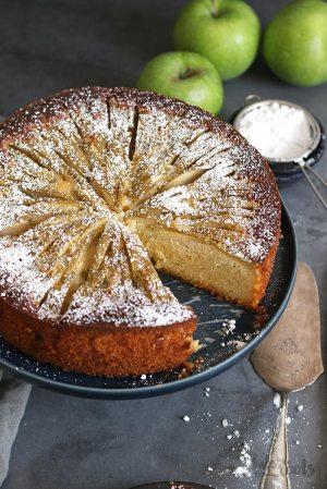 Low-Carb Apple Cake (sugar-free)