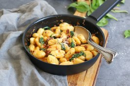 Gnocchi mit getrockneten Tomaten & Spinat | Bake to the roots
