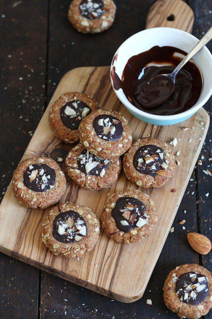 Dattel Mandel Haferflocken Cookies | Bake to the roots