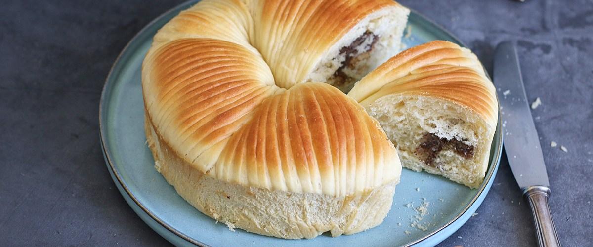 Hazelnut Wool Roll Bread   Bake to the roots