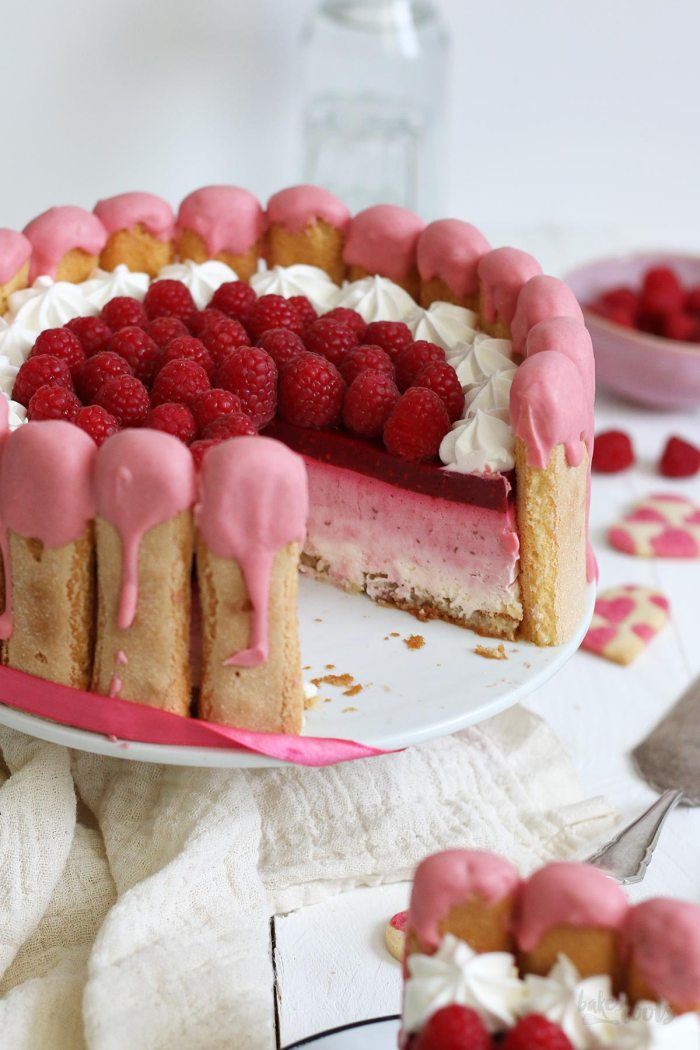 Raspberry Ombre Cheesecake Charlotte | Bake to the roots