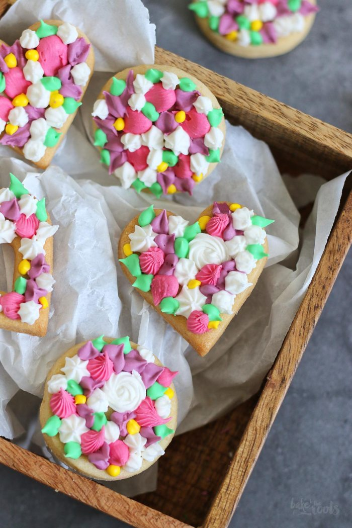 Mother's Day Floral Cookies | Bake to the roots