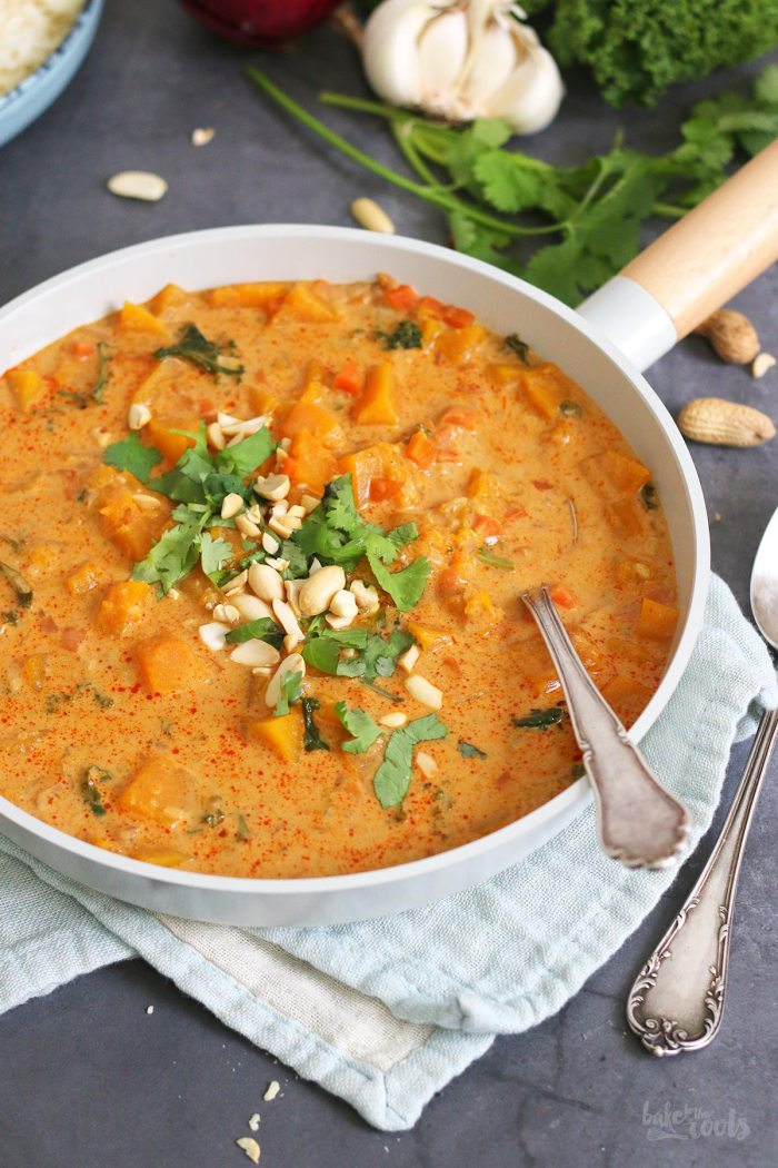 Vegan Red Thai Pumpkin Peanut Curry | Bake to the roots
