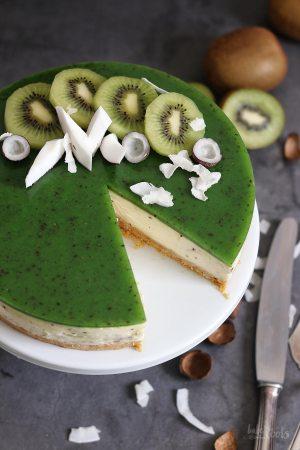 (Vegan) Kiwi Coconut No-Bake Cheesecake