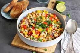 Mediterraner Kichererbsen Salat | Bake to the roots