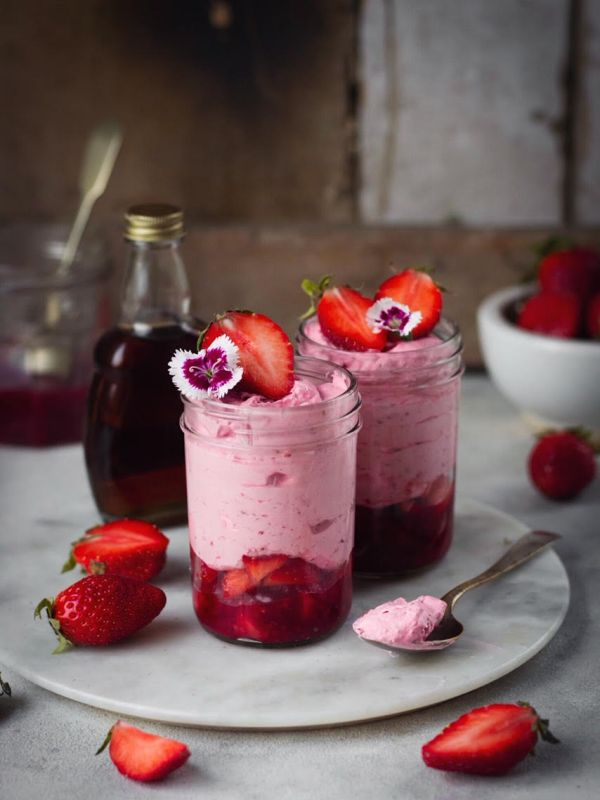 egggless strawberry mousse