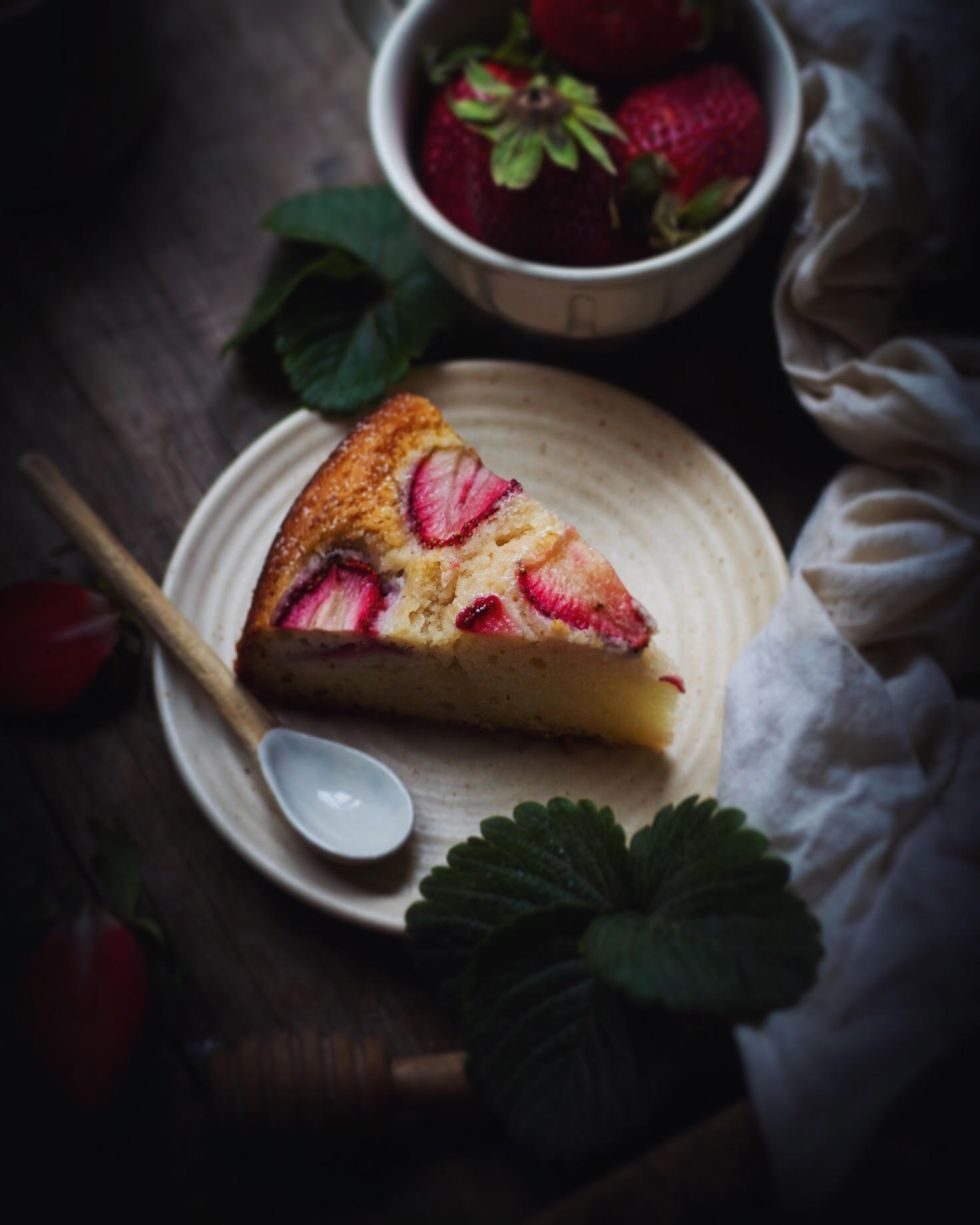 homemade simple eggless strawberry tea cake