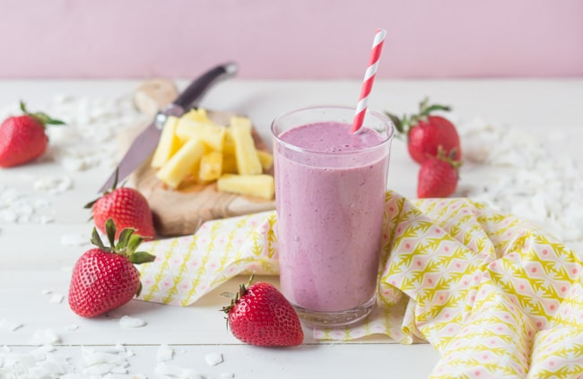 Pina Colada Berry Smoothie | Baking a Moment