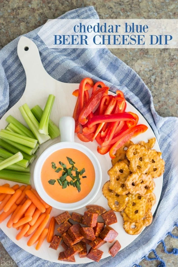 LOVED all the flavors going on in this Cheddar-Blue Beer Cheese Dip! Perfect game-day snack ;) @kitchenaidusa