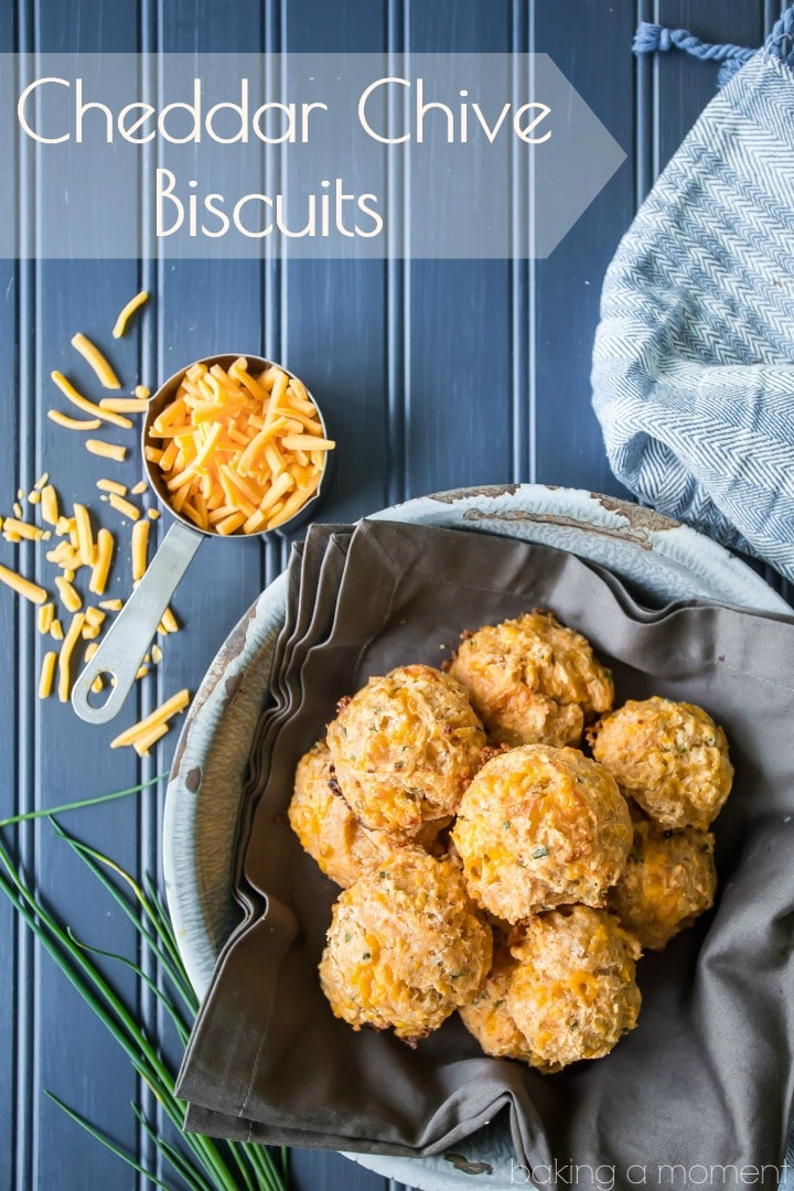 Cheddar Chive Biscuits: light as can be, with tons of cheese, garlic, and fresh chives!  food bread cheese