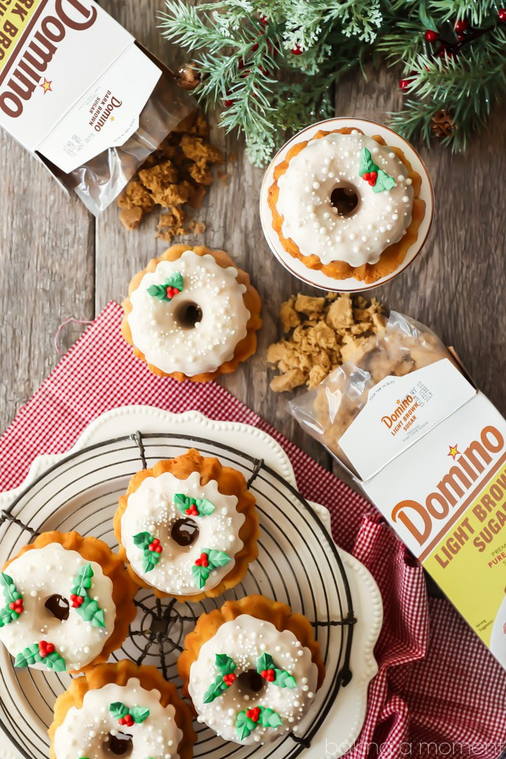 Mini Brown Sugar Pound Cakes:  I made these as holiday gifts for my kids' teachers and they were a big hit!  LOVED the caramel-y flavor from the brown sugar, and they're so moist and buttery!  SPONSORED BY DOMINO  @realdominosugar  #food #desserts #cake #brownsugar #poundcake #bundt #minibundt #baking #recipes