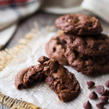 Soft chewy brownie cookies from scratch