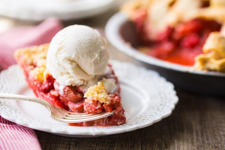 Old-Fashioned Strawberry Rhubarb Pie Recipe