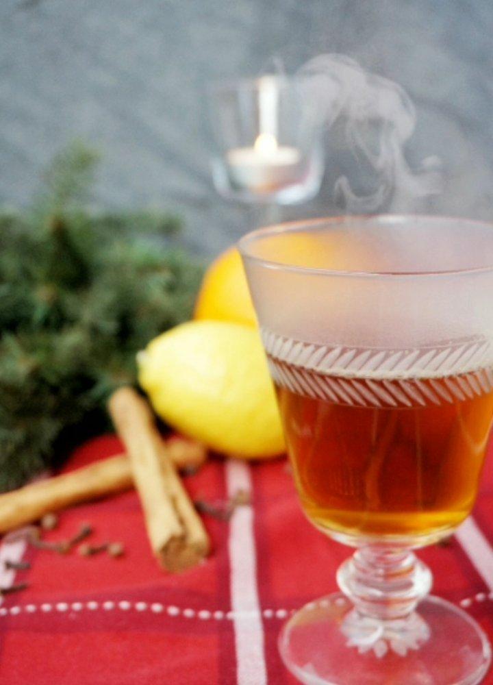 Kryddad varm äppelcider
