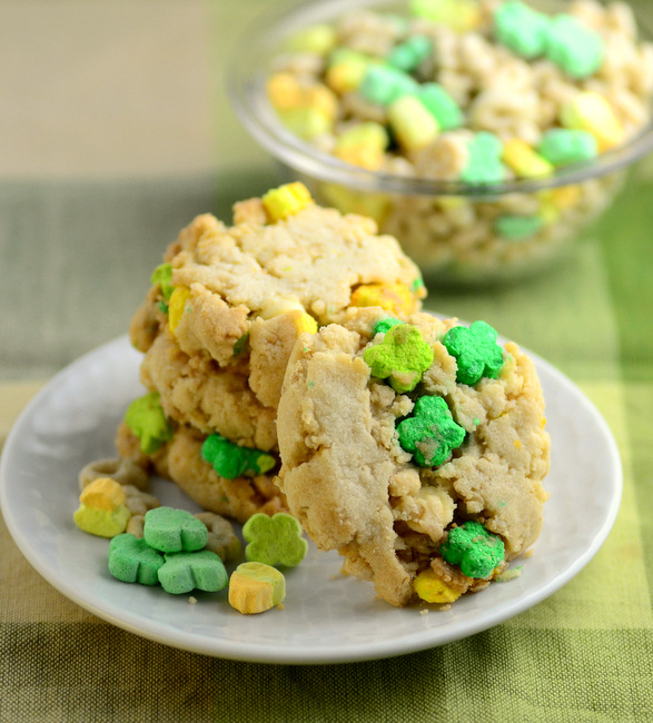 Crisp Lucky Charms Cereal Cookies