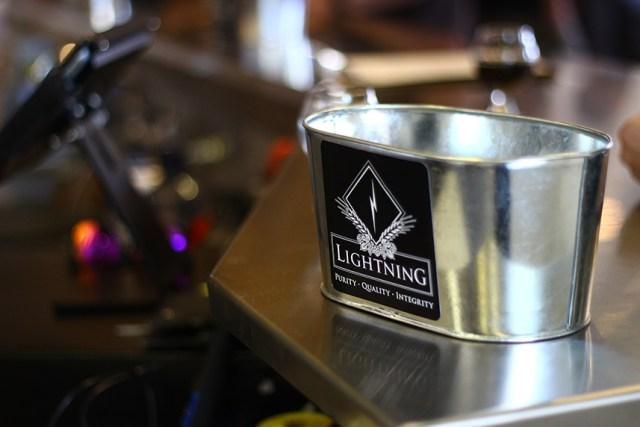 Bakingbrew_lightning_4