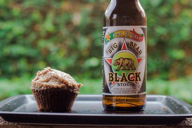 big bear black cupcakes