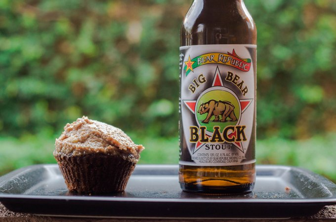 big bear black cupcakes
