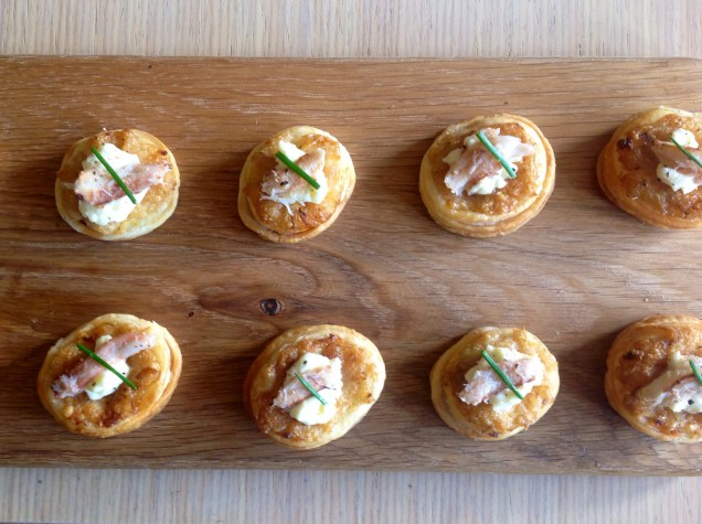 Chilled crab canapés