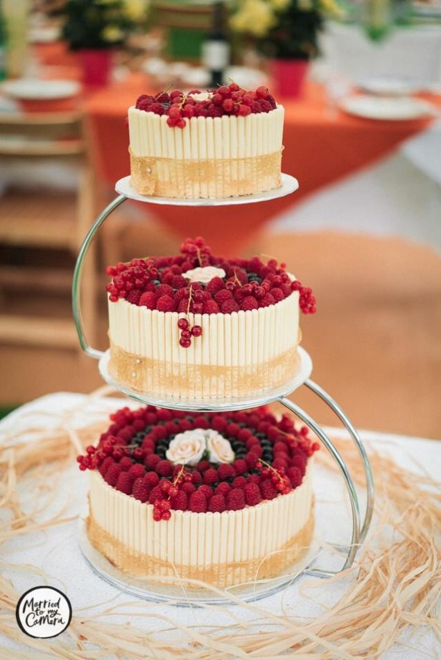 A summer wedding cake I made (photographed professionally)